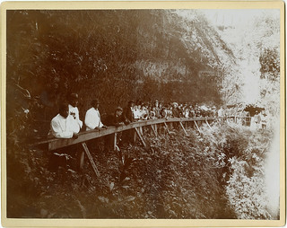 [American Tourists at the Cascade de Sumidero, Mexico] | by SMU Central University Libraries