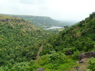 View of valley between Malwa and Mandu plateaus | by varunshiv