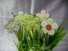 Flores no jardim by Ana Paula Louvem - Atelier Doce Sabor