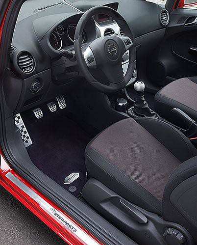 Corsa d rot interieur steinmetz opel tuning flickr for Interieur tuning