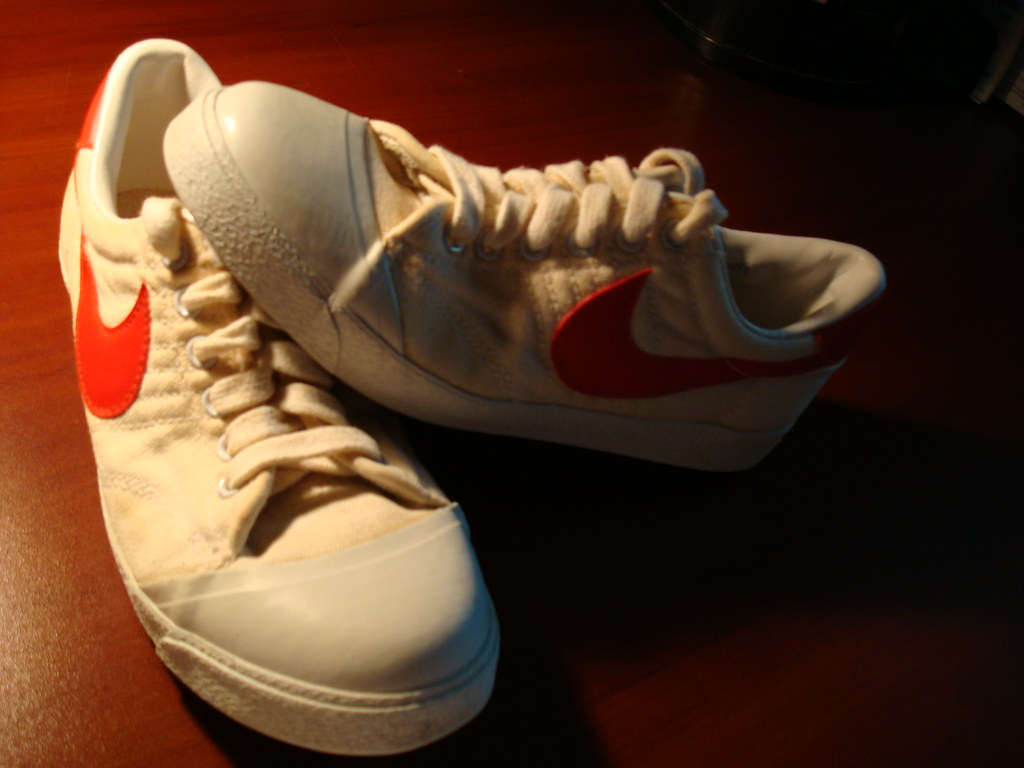 Vintage Nike Canvas Tennis Shoes