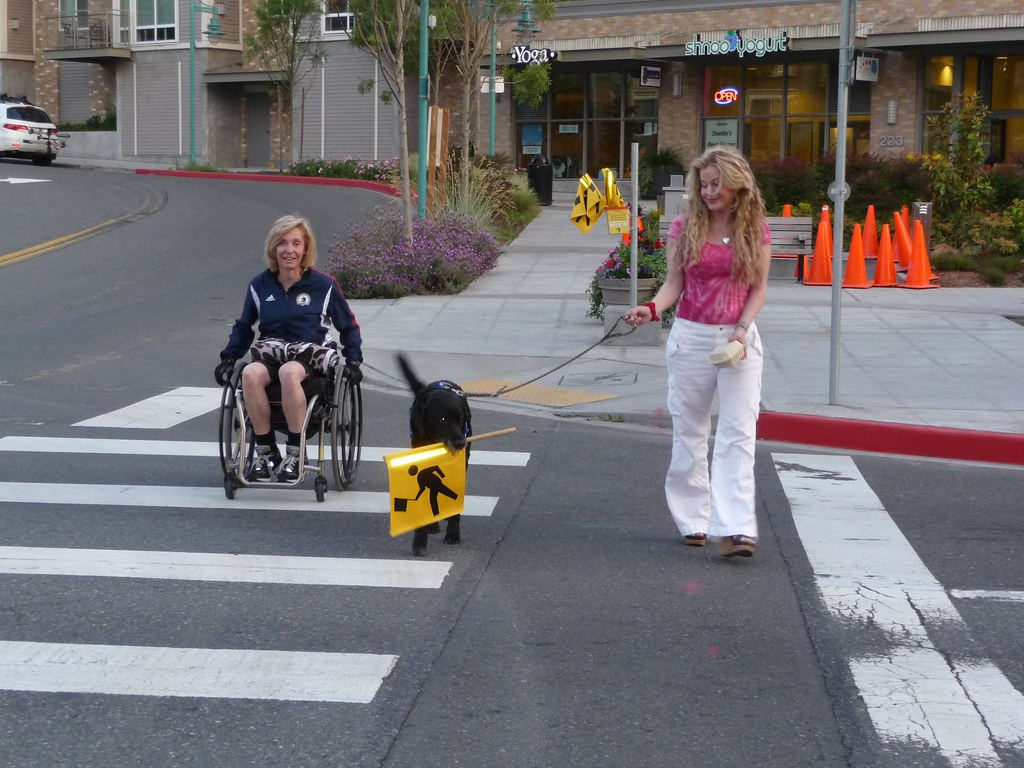 High Visability Crosswalks And Accessible Curb Cuts Flickr