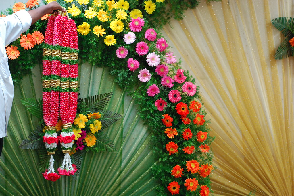 Surya Jyothika Garland For Pavithras Wedding The Flowe Flickr