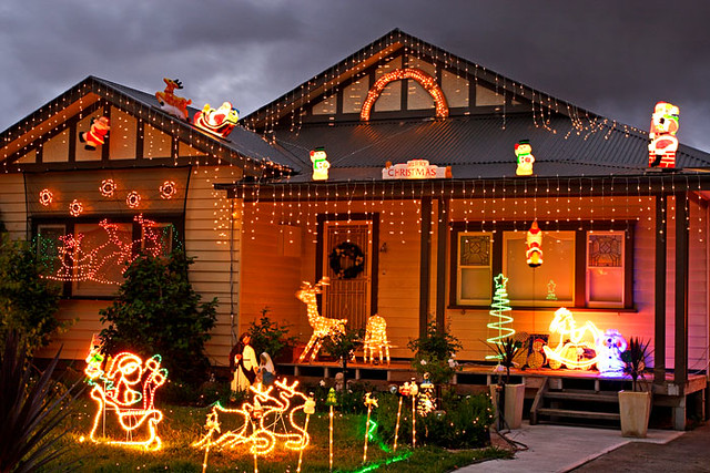 Glenroy victoria australia christmas lights img 7190 gl for Holiday home designs victoria