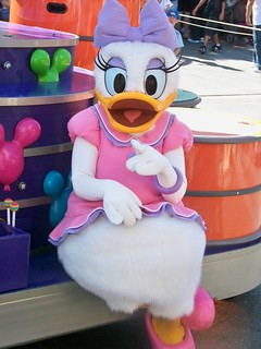 Daisy Duck in Celebrate! A Street Party | by Castles, Capes & Clones