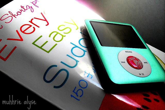 sudoku and ipod | VLUU L100, M100 / Samsung L100, M100