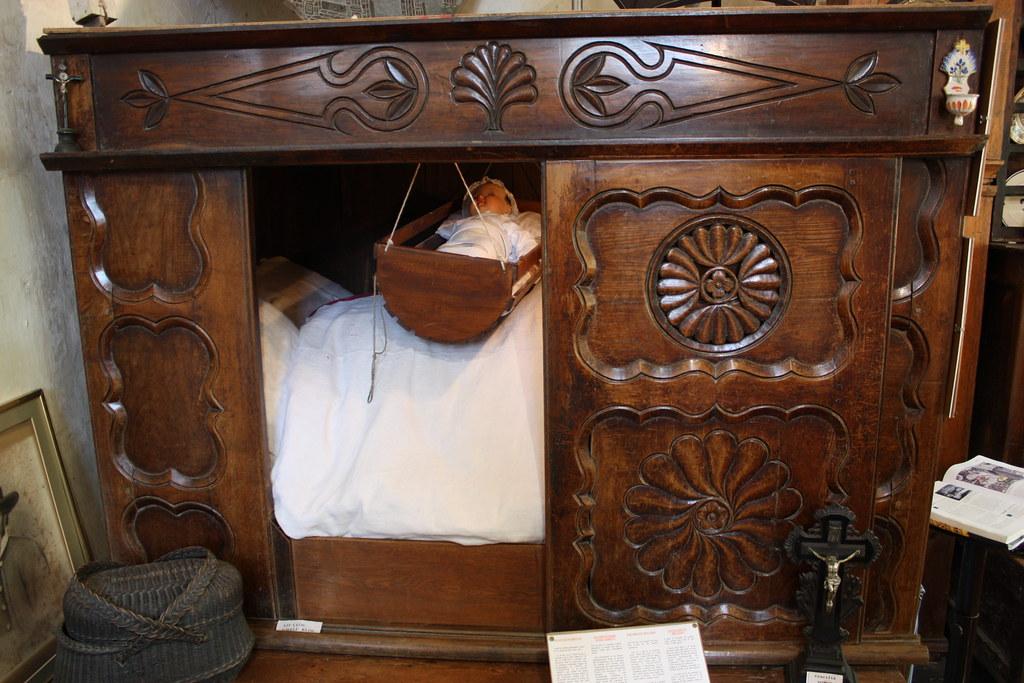 lit clos breton breton box bed petit mus e situ dans la flickr. Black Bedroom Furniture Sets. Home Design Ideas