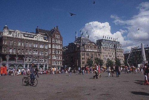 Dam Platz - Amsterdam | Dam Square is a bustling hub of a ...