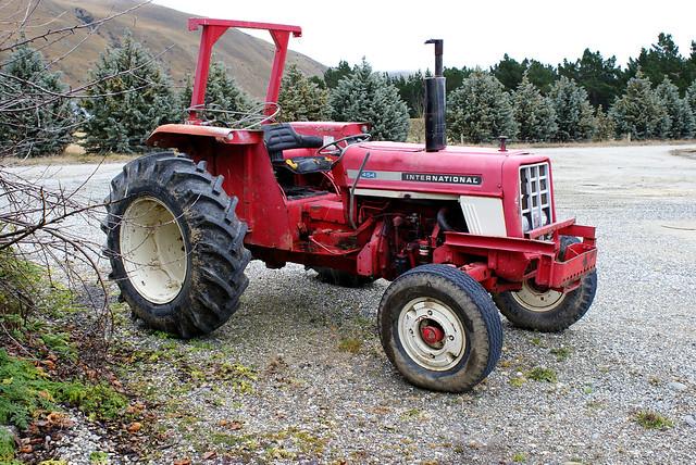 International Harvester 454 Tractor Parts : International tractor this cylinder diesel