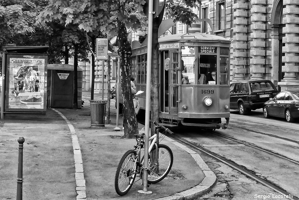 Milano alla fermata del tram sergio locatelli flickr for Locatelli milano
