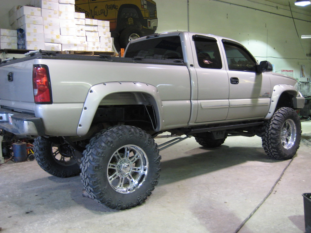 All Chevy chevy 2005 : Chevy Duramax 14in Lift | Chevy 2005 Rear 14in Springs custo… | Flickr