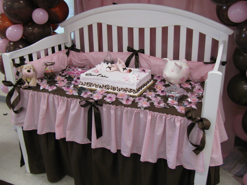 Crib cake table for baby shower rosie b flickr for Baby cot decoration ideas