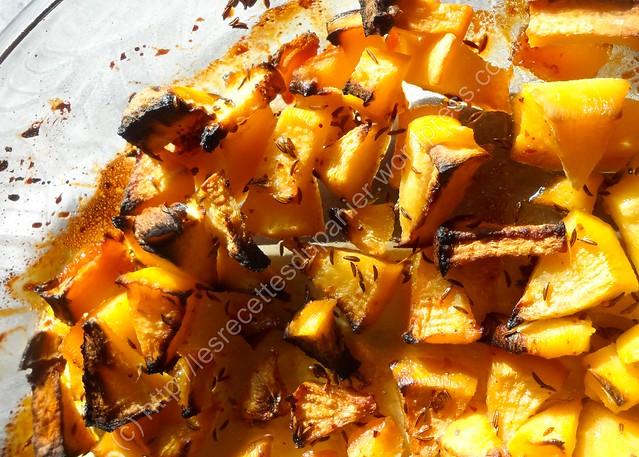 Rutabagas rôtis au miel au piment et carvi / Honey-roasted swede with chilli & caraway