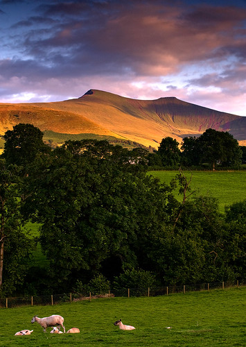 Last sun on the beacons | by mikerob_s