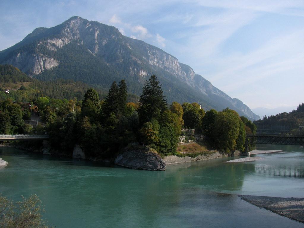 Fluss Mit G >> Zusammenfluss vom Vorderhein und Hinterrhein ( Rhein ) bei… | Flickr