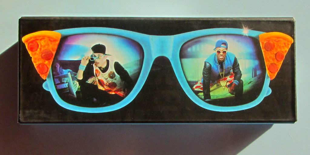 278c19b107 ... Chicago Town Pizza  Slice Shades  Promotional Sunglasses Leyland  England 2016 - 2 Of 12