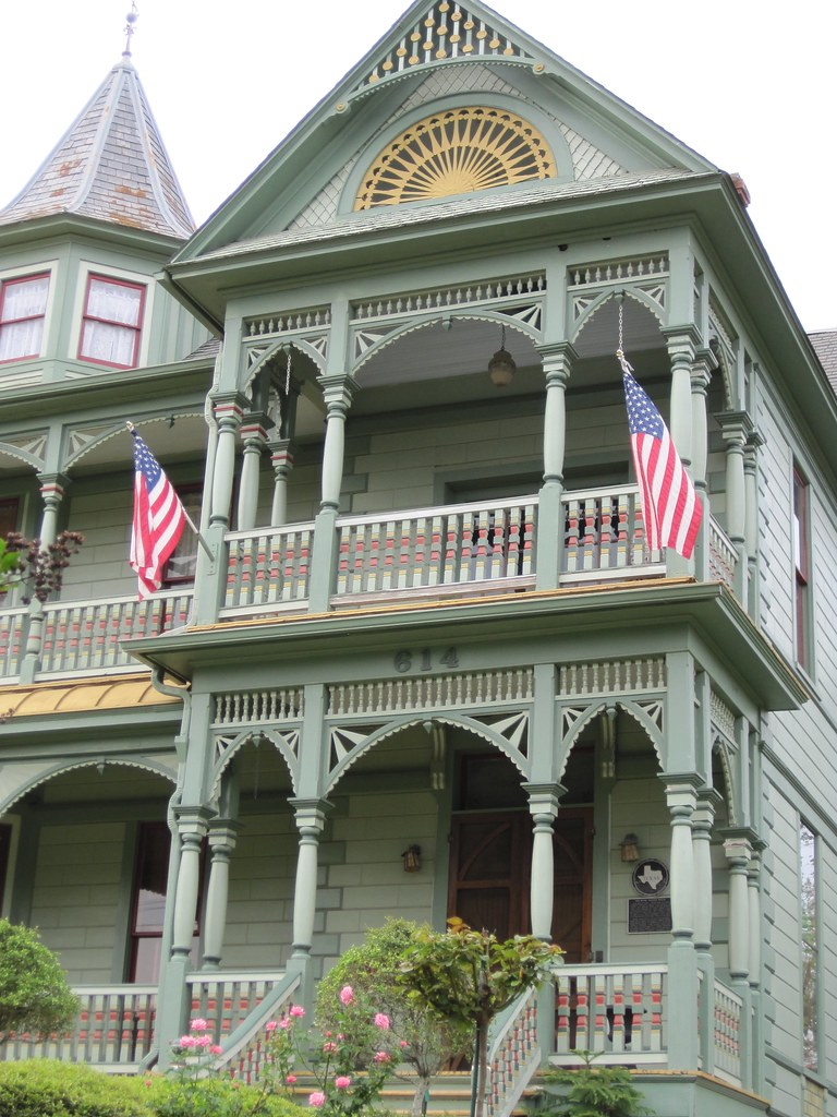 Hughes House Bed And Breakfast