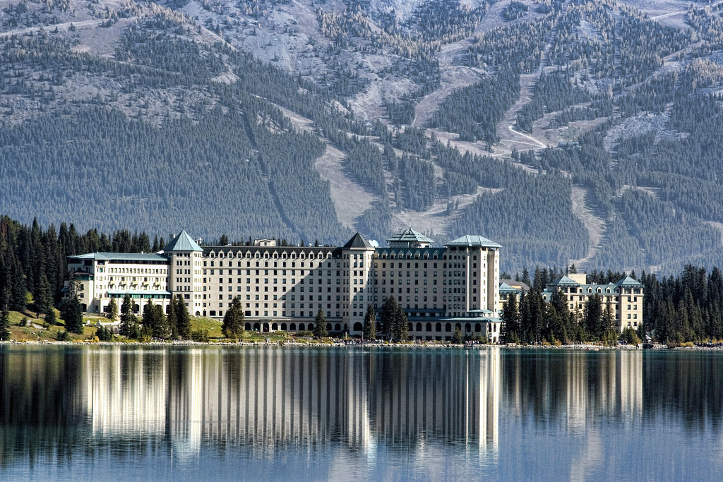fairmont chateau lake louise Now £192 (was £̶2̶4̶7̶) on tripadvisor: fairmont chateau lake louise, lake louise see 6,598 traveller reviews, 5,400 candid photos, and great deals for fairmont chateau lake louise, ranked #1 of 5 hotels in lake louise and rated 45 of 5 at tripadvisor.