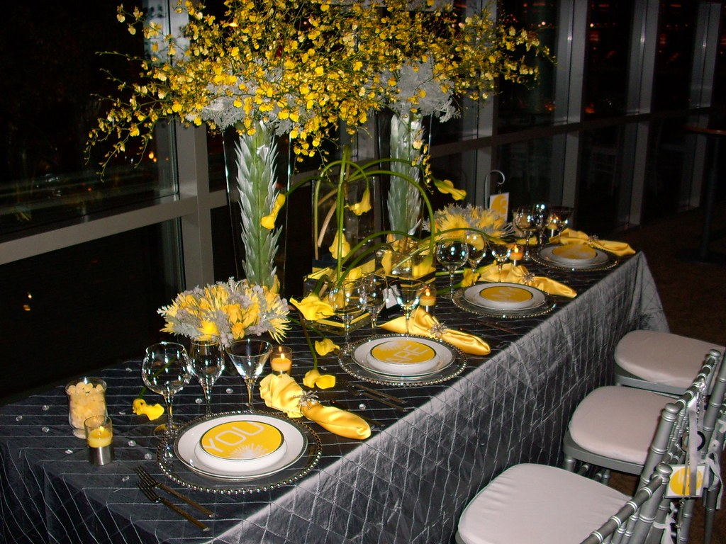 Yellow And Black Table Decor Artisancakecompany Flickr