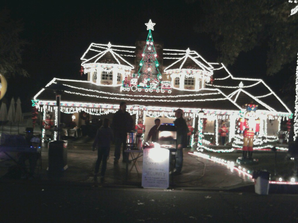 thoroughbred christmas tree lights in alta loma california outdoor xmas music food by - Thoroughbred Christmas Lights