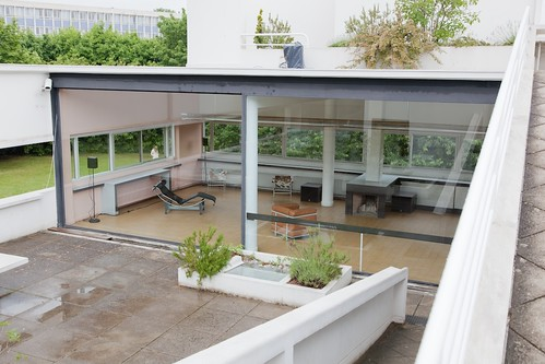 how to get to villa savoye from paris