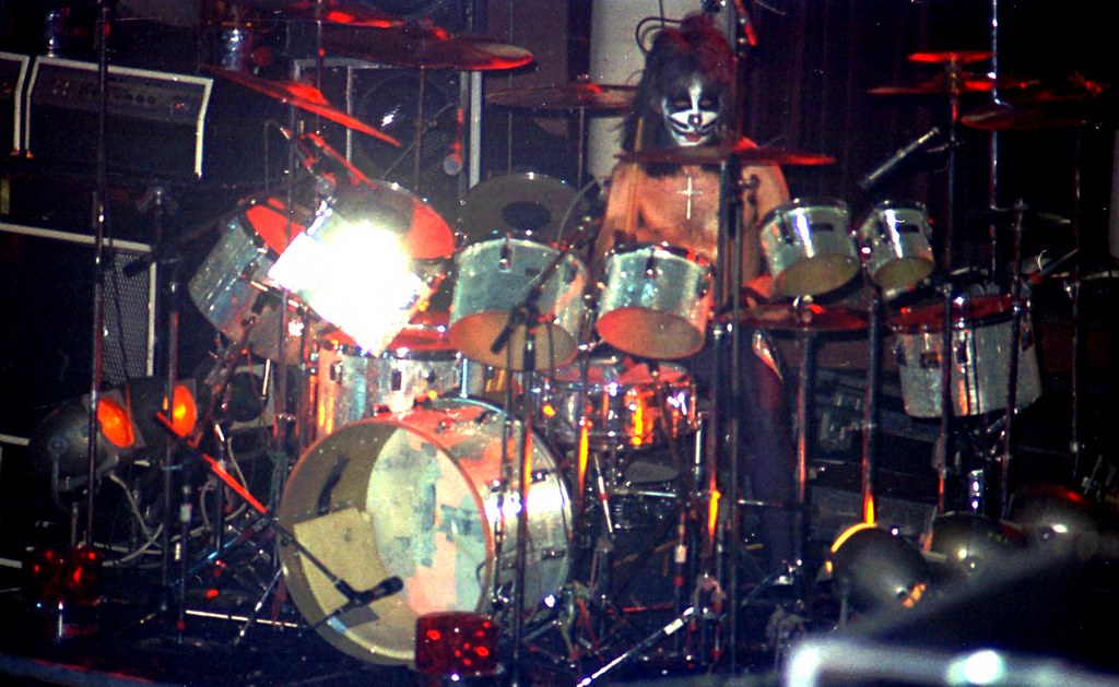1976 38 Kiss On Stage Peter Criss Drums Klaus