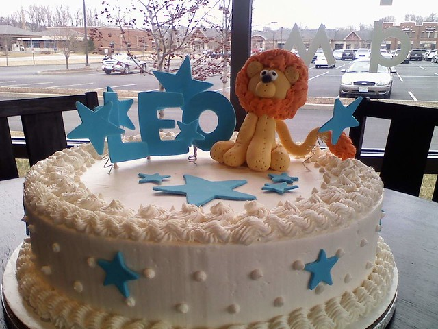 Whipt Cream Lion Birthday Cake This white cake is iced and Flickr