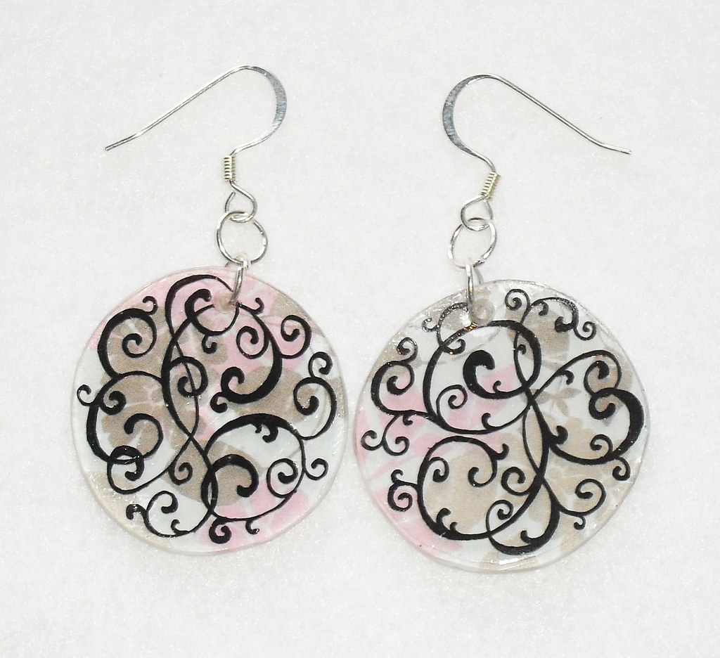 Swirling Flowers Shrink Plastic Earrings | A pair of ...