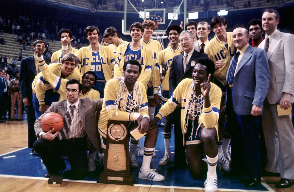 UCLA-1973-mbb | 26 MAR 1973: UCLA basketball team and coach … | Flickr