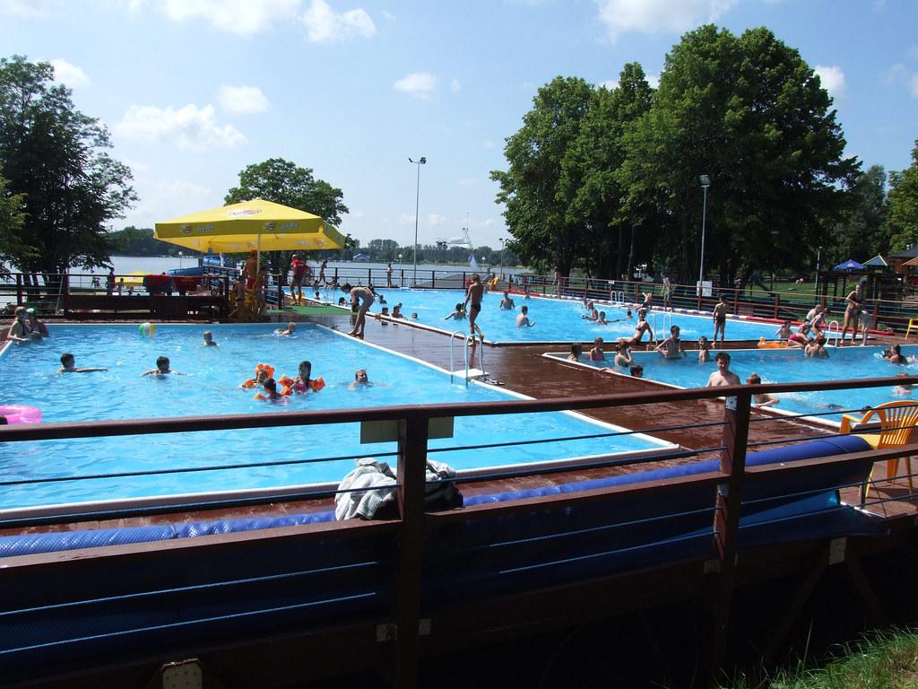 centro sportivo in polonia 4 piscine fuori terra