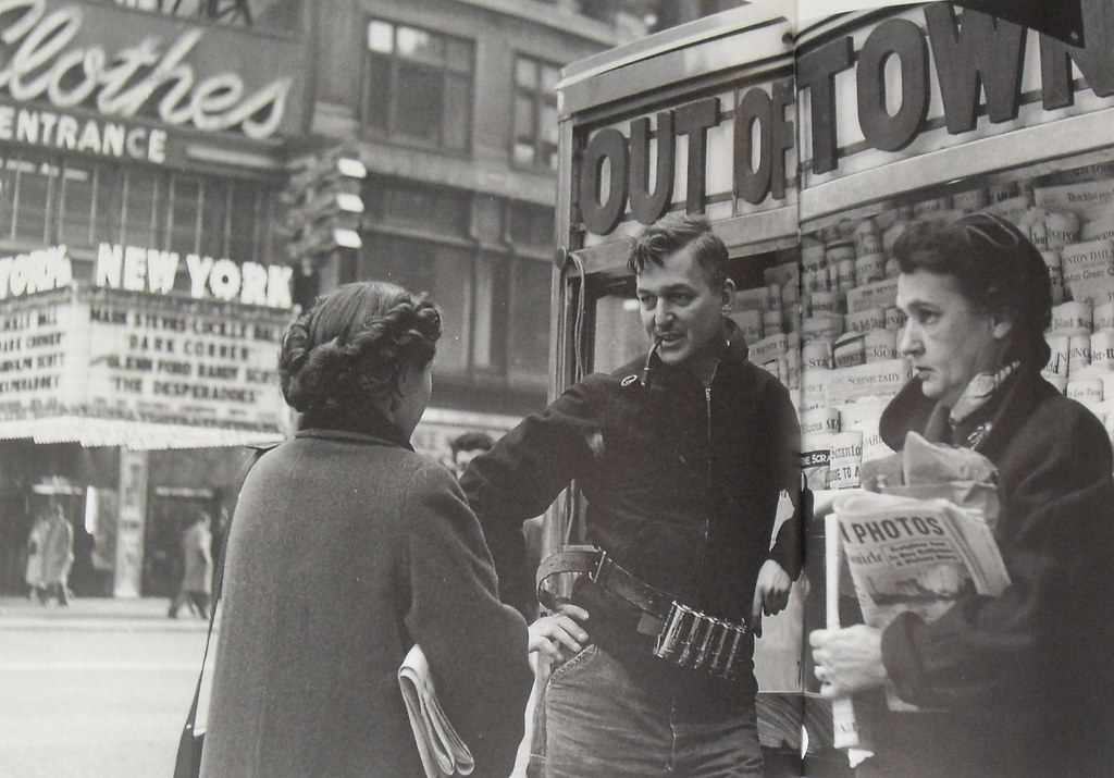 TIMES SQUARE 1946 NEWSPAPER STAND Vintage New York City