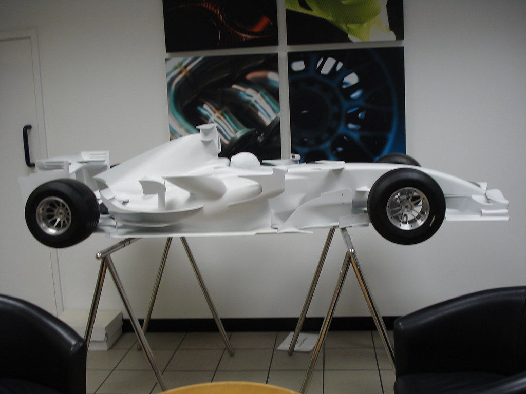 Renault F1 Jobs >> Half size model Renault F1 car used in Wind Tunnel tests. | Flickr