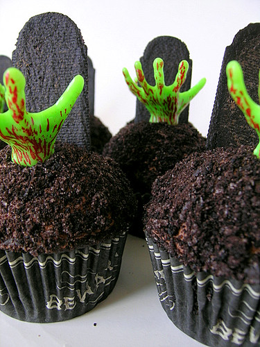 Zombie Decorated Cakes