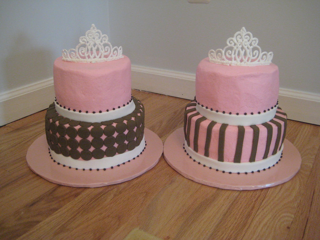 Dual Birthday Cakes For 2 Girls Royal Icing Tiaras Butte Flickr