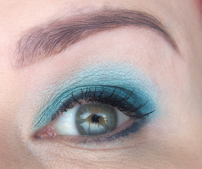 Sininen meikki
