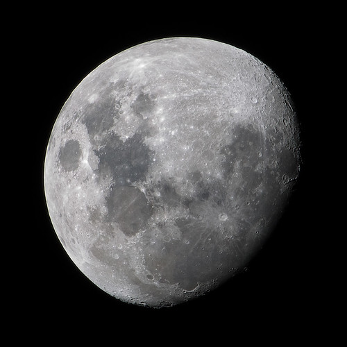luna - waxing gibbous moon | by dcysurfer / Dave Young