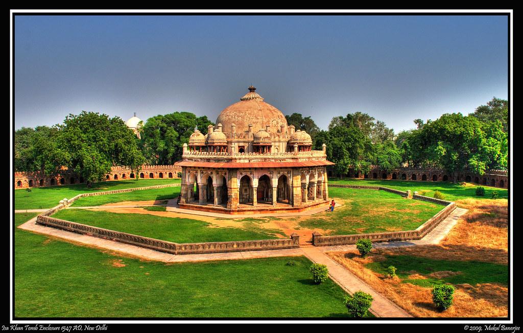 isa khan tomb enclosure humayuns tomb complex new delhi