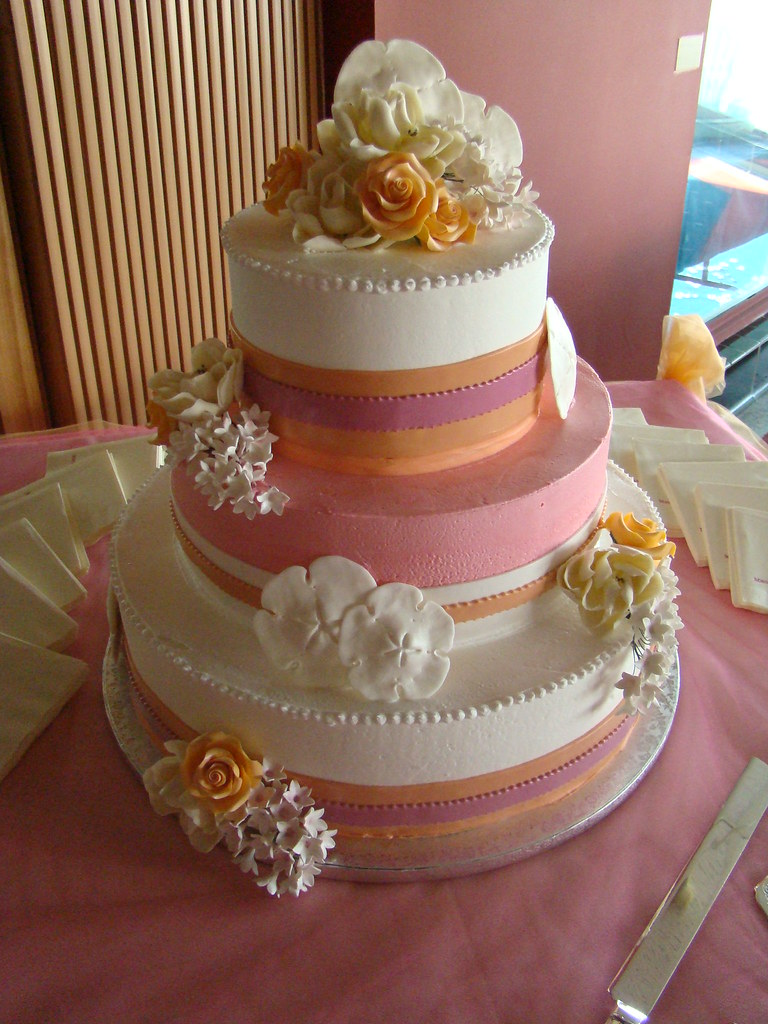 Wedding Cakes For  Dollars