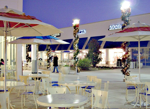 jersey shore premium outlets at night located in tinton fa flickr. Black Bedroom Furniture Sets. Home Design Ideas