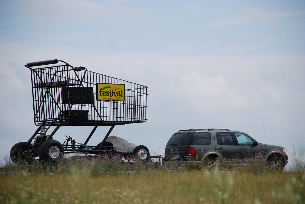 Strange Sight Festival Foods Giant Motorized Grocery Cart Mike Flickr