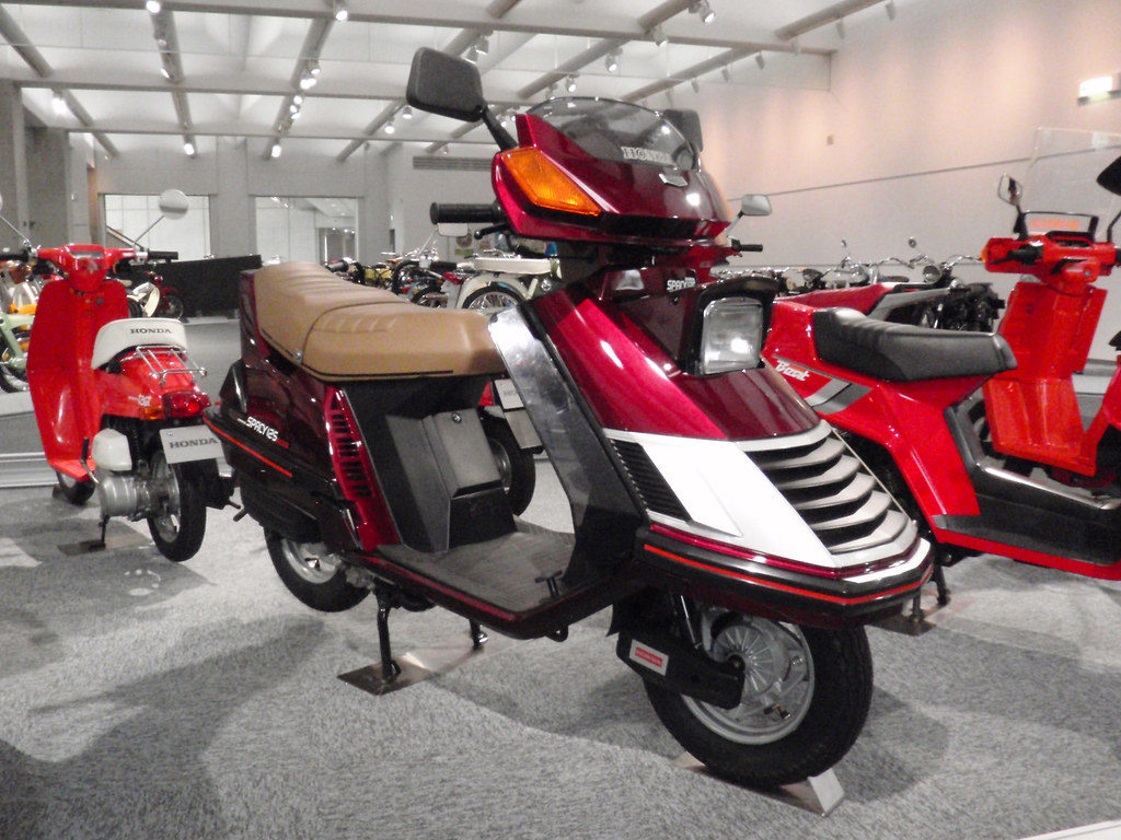 honda spacy 125 striker one of the few motorcycles with. Black Bedroom Furniture Sets. Home Design Ideas
