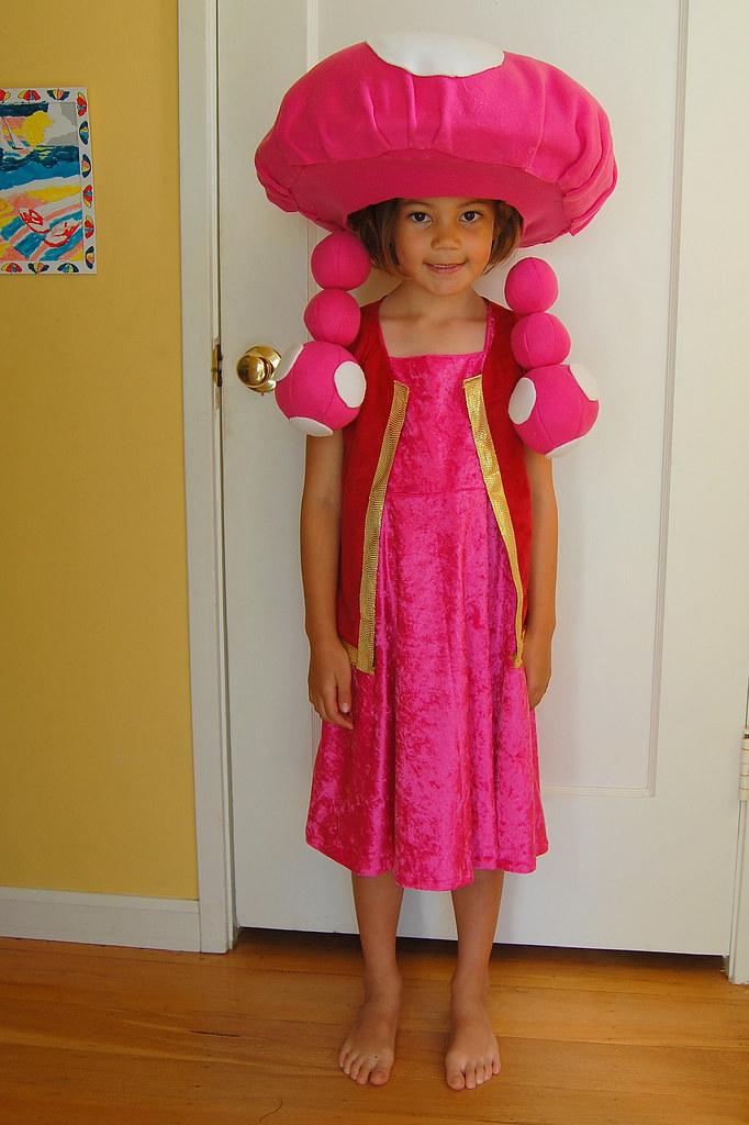 Toadette Costume | Here's my daughter's Halloween costume ...