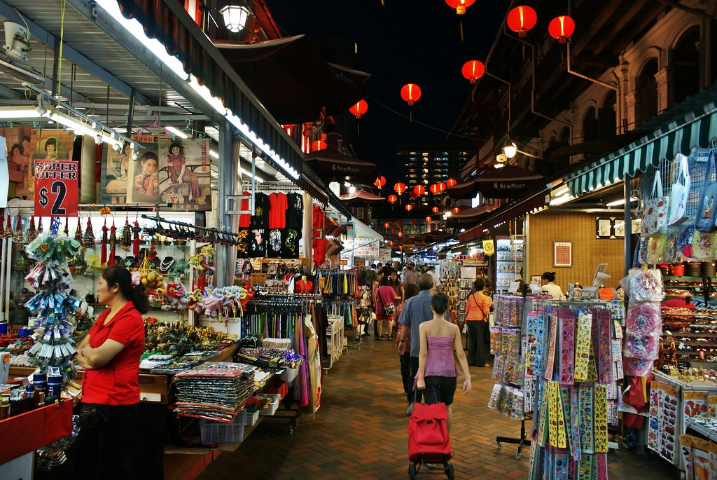 Chinatown Singapore Night Shopping For Souvenirs Along