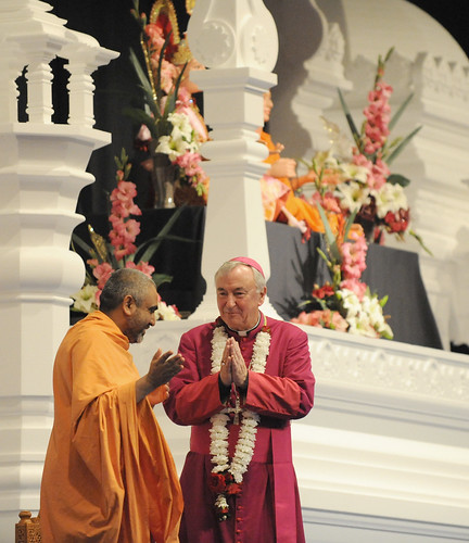 Archbishop Vincent Nichols visit the Hindu Temple during Interfaith Week, a time of special prayer with and for people of various religions, and on the birthday of the worldwide spiritual leader of the Hindus | by Catholic Church (England and Wales)