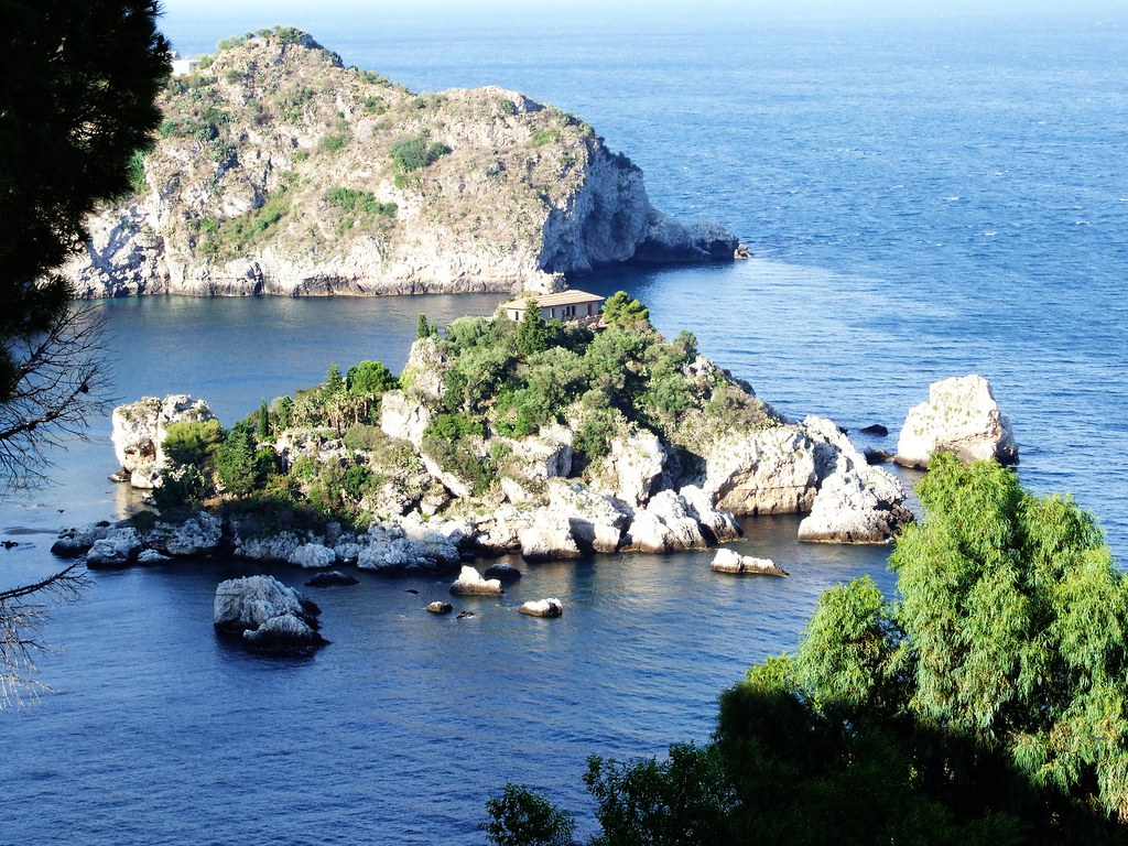 File:Isola Bella-Taormina-Messina-Sicilia-Italy - Creative Commons ...