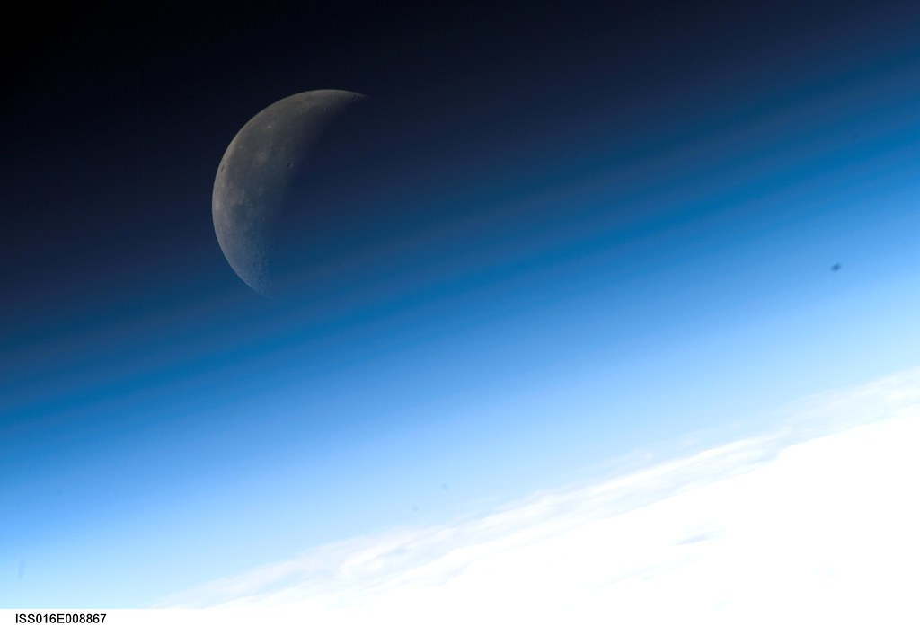 Crescent moon nasa international space station science for Space station 13 3d