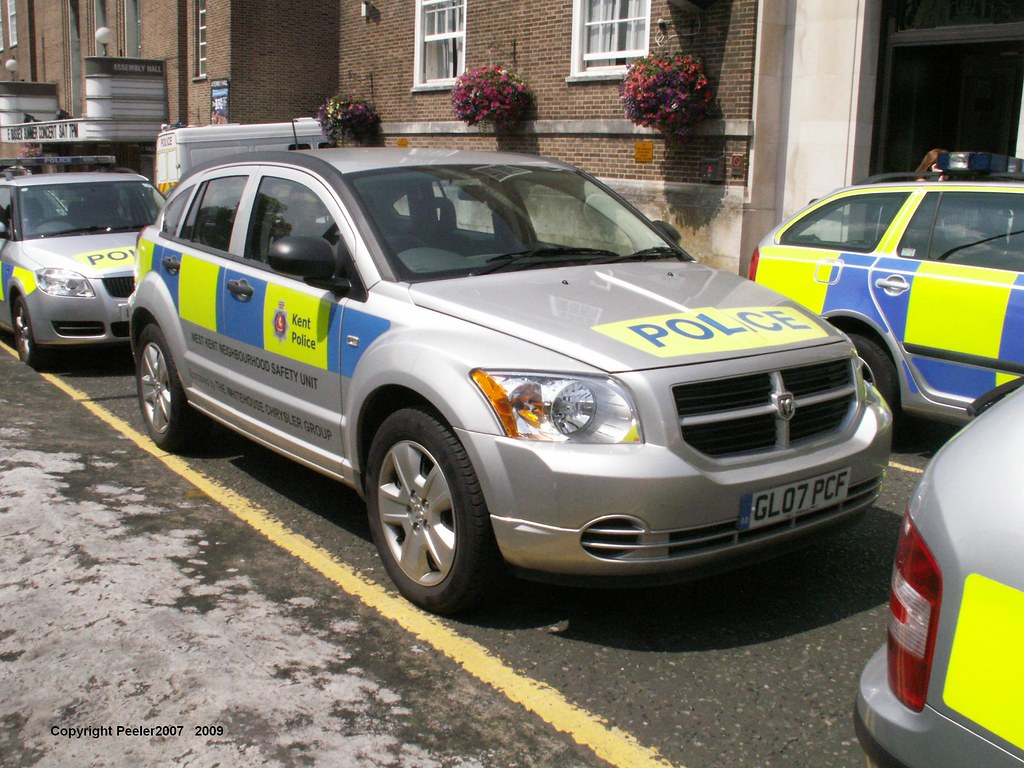 Gl07pcf Gl07pcf Dodge Caliber 2 0d Se Kent Police Outside Flickr