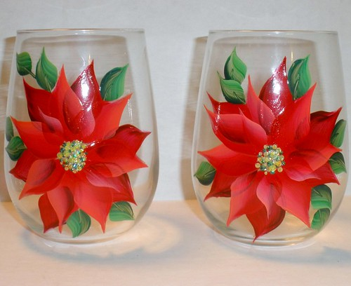 Hand painted poinsettia stemless wine glasses set of 2 for Painted stemless wine glasses