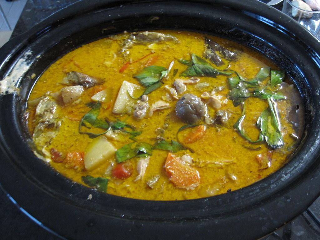 Crock Pot The Original Slow Cooker Comfort Food Diet Cookbook
