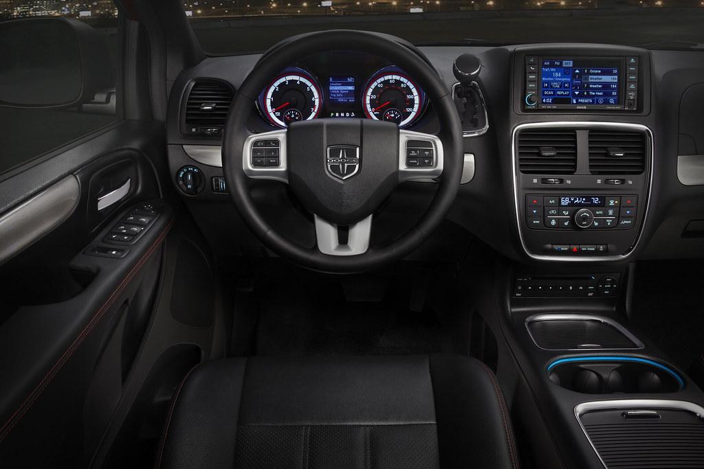 2011 Dodge Grand Caravan R T Interior Fiat Chrysler